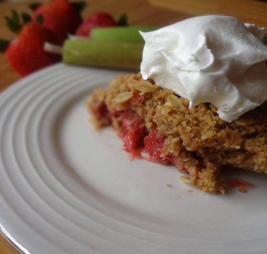 StrawberryRhubarbCrisp9